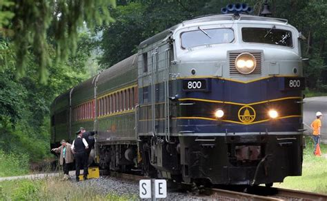 A train ride on the Cuyahoga Valley Scenic Railroad and