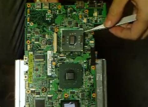 Asus Eee PC (the first netbook) hack: Upgrading the CPU